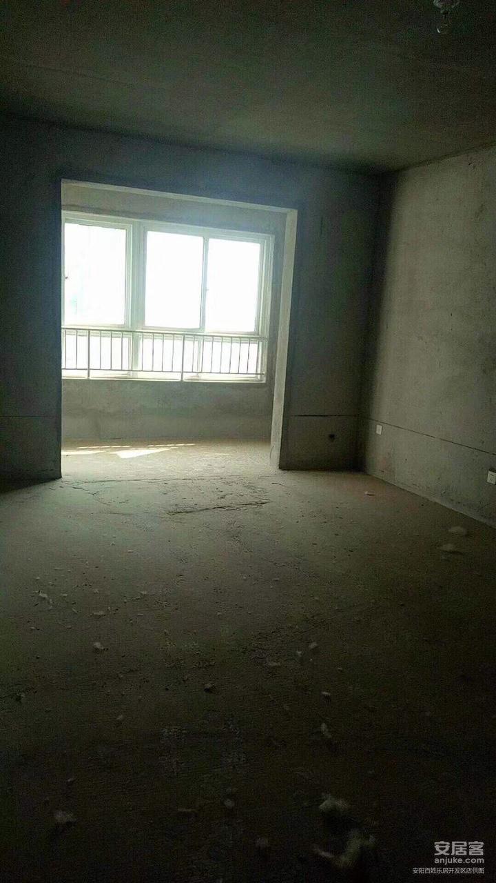 宜居时尚小镇3室 2厅 2卫65万元