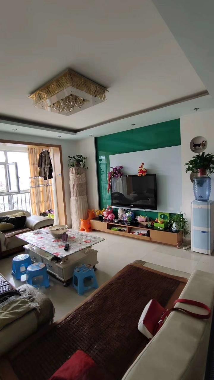 梓江新城3室 2厅 1卫40万元