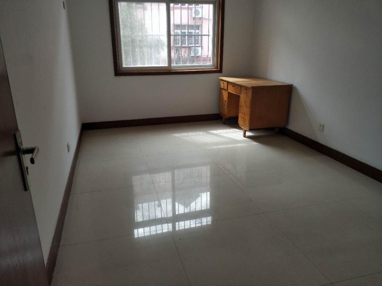 云门山花园3室 2厅 1卫79万元