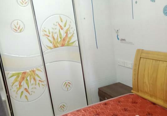 宝龙公寓1室 1厅 1卫52万元