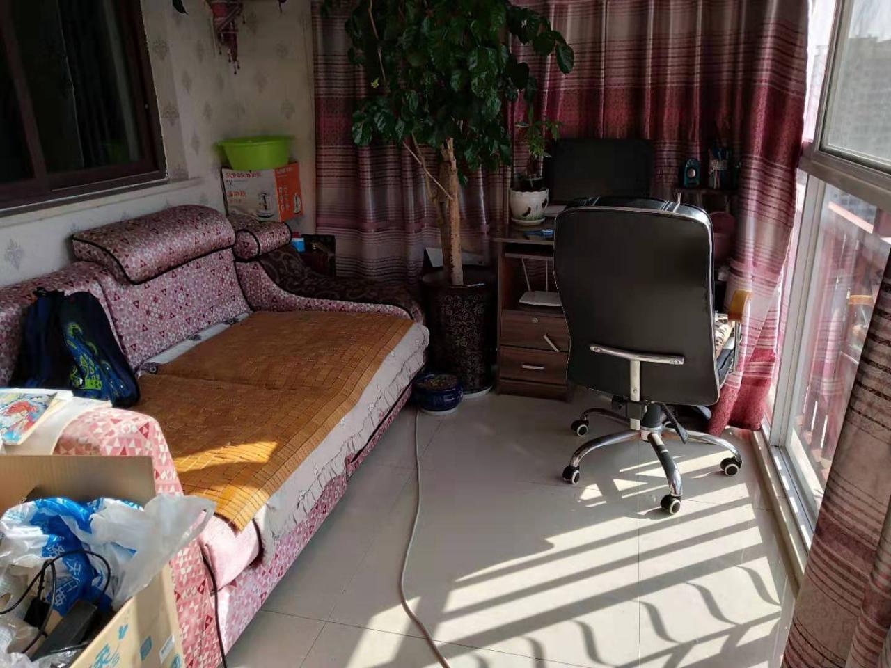 景观新城3室 2厅 2卫79.8万元