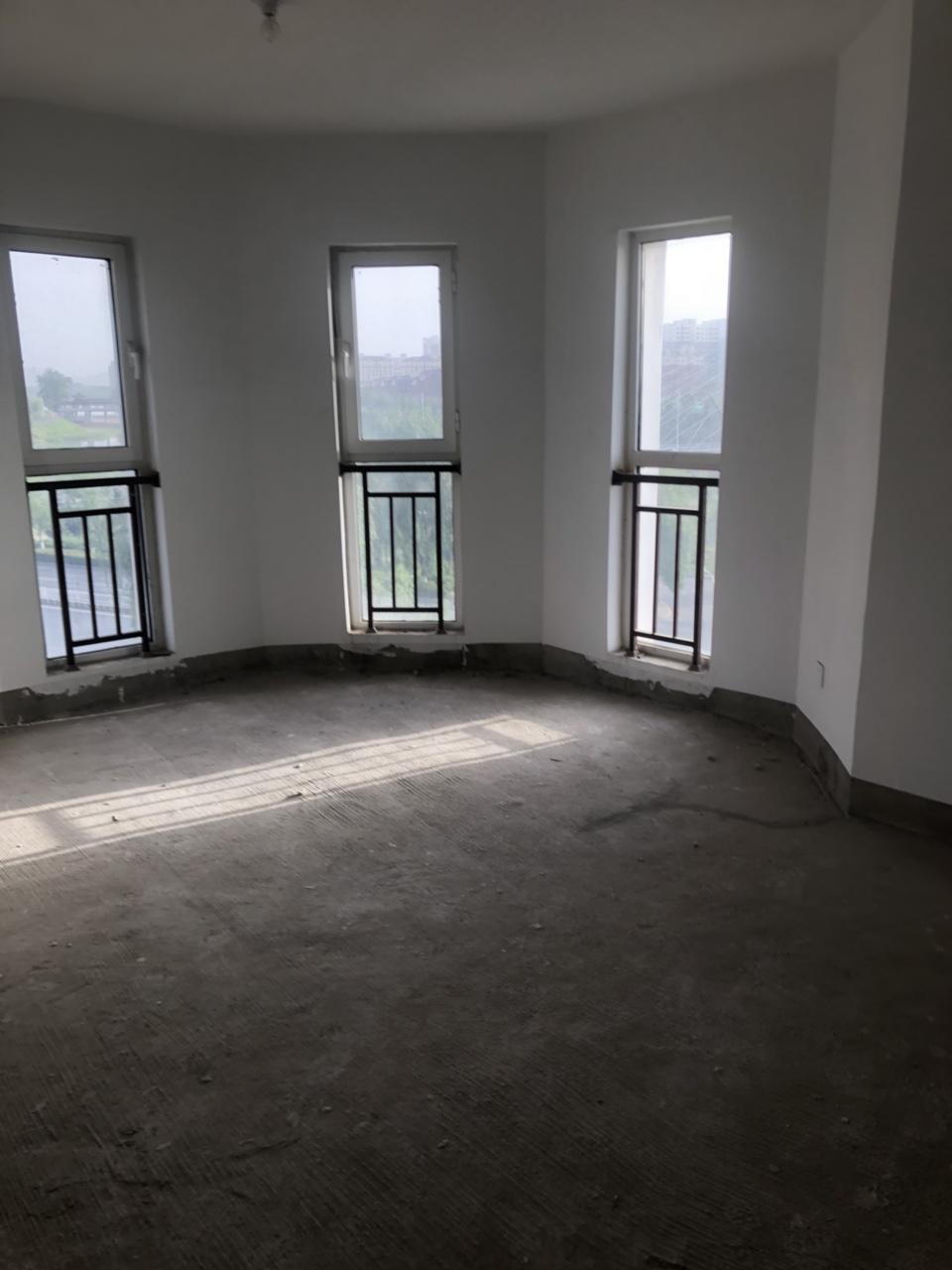 花雨馨4室 2厅 1卫119万元