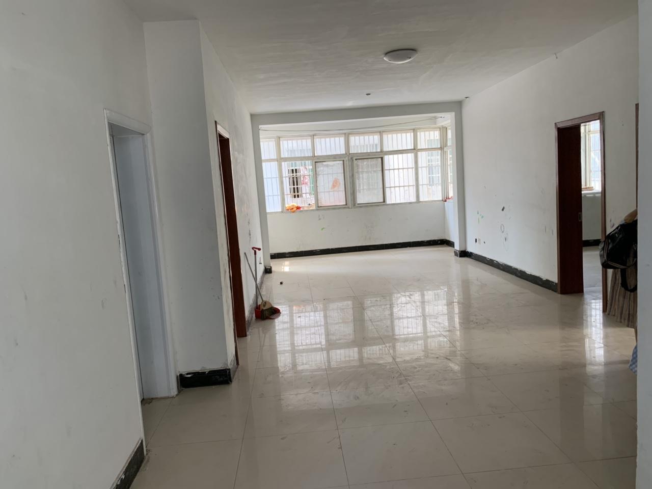 王柿圆新村2楼3室52万元