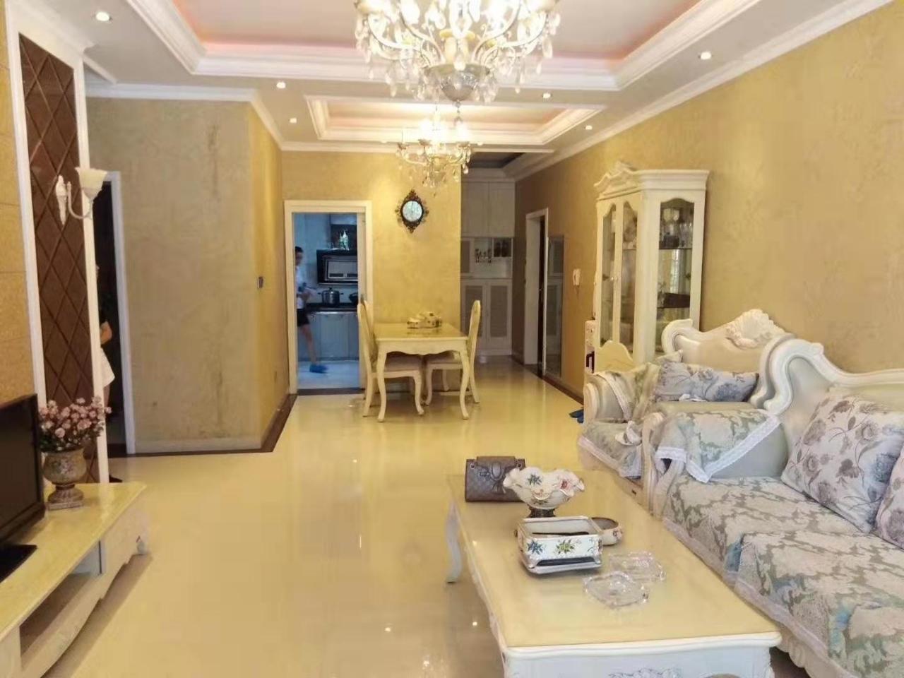 城东国际3室 2厅 1卫38万元
