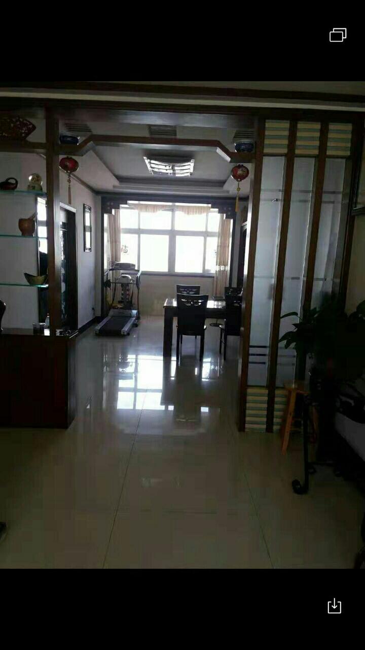 濱江花園3室 2廳 2衛32萬元