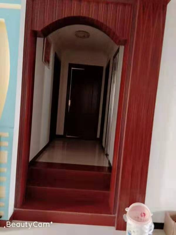 玉龙苑3室 2厅 1卫72万元