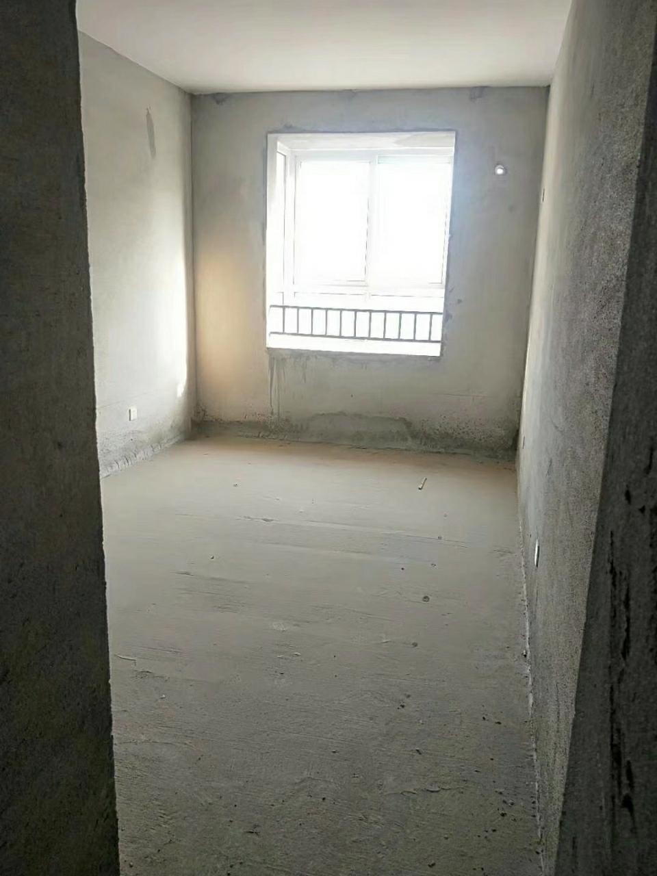 安糧3室 2廳 2衛92萬元