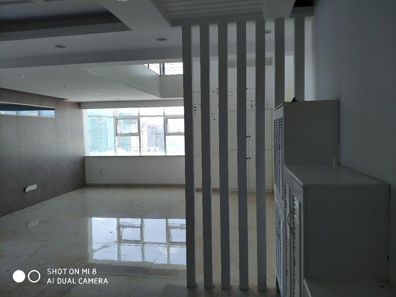 聚興苑小區3室 2廳 2衛75萬元