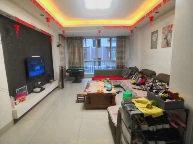 锦绣华庭3室 2厅 2卫74万元
