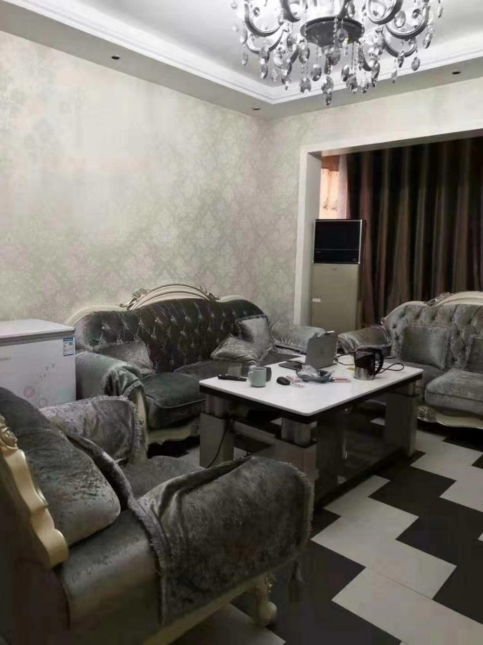 林泉辰龍花園3室 2廳 2衛56.8萬元