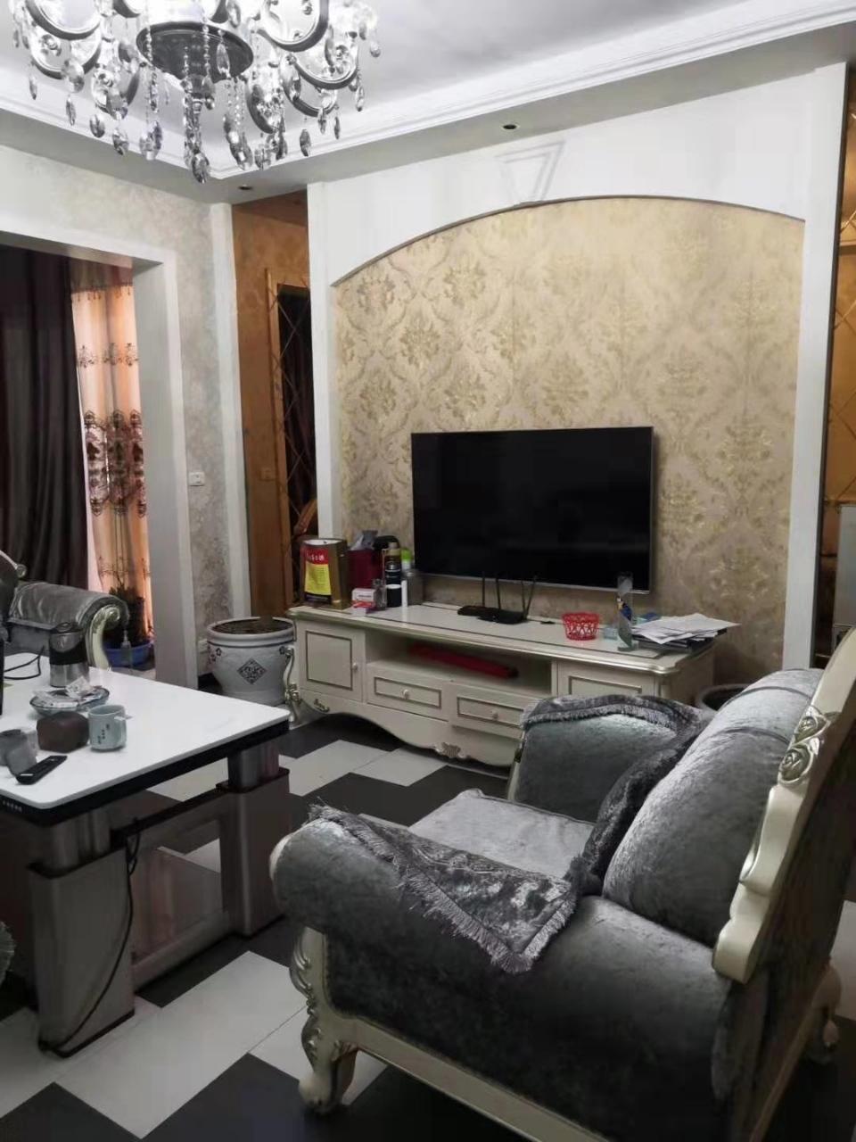 林泉辰龍花園3室 1廳 2衛56.8萬元