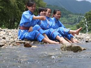 2016中��侗族.三穗圣婆文化旅游�