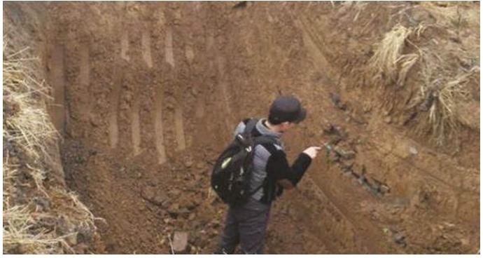 """近日,位于蚌埠市蚌山区内的""""热浪岛室内水公园""""工地,考古人员正在"""