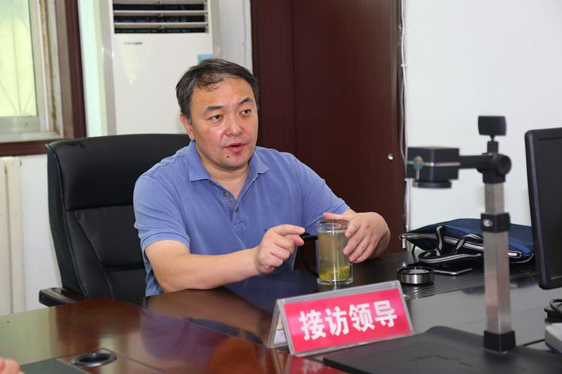 郑州航空港实验区管委会主任马健到区信访接待大厅值班接访
