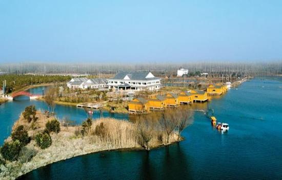 分别是白鹭洲风景区,印象江南生态园和淝畔绿洲怡养庄园.