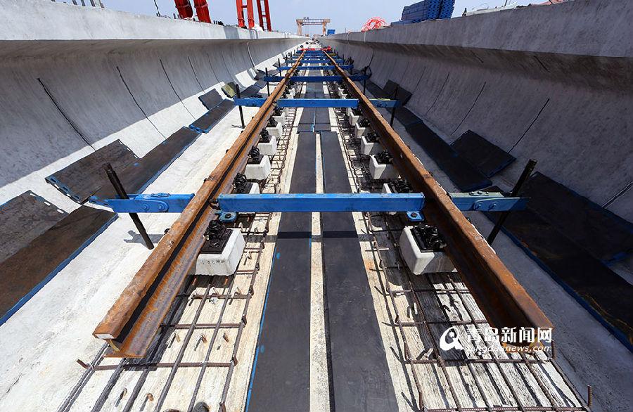 青岛地铁13号线开始铺轨