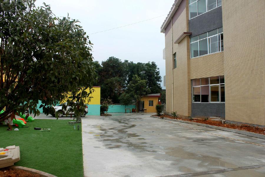 莲花县路口镇中心幼儿园进行园区开放日活动