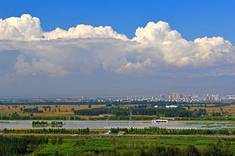天牙山风景区位于山西省原平市东郊5公里处