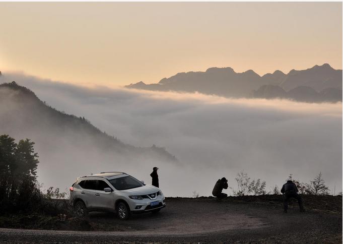 马卧泥村位于雾渡河镇西北部,与樟村坪镇,远安县交界,平均海拔900米