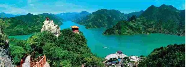 答:清江画廊的3大特色好玩的地方好玩1清江画廊风景区属湖北省省级