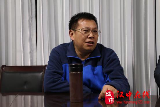 汉中市专家学者探秘西乡猿人洞
