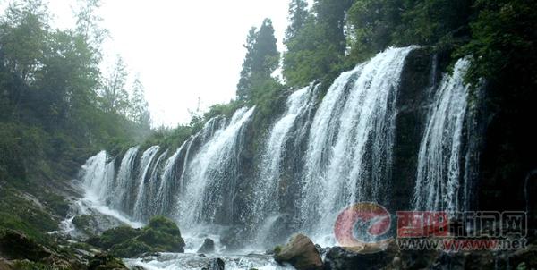 壁纸 风景 旅游 瀑布 山水 桌面 600_302