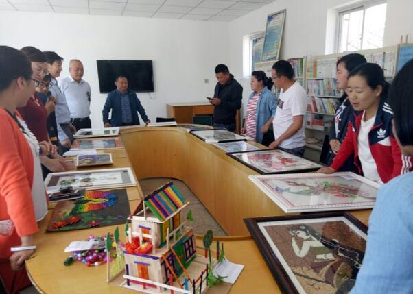 临泽县蓼泉学区开展幼儿师生美术手工作品评比活动