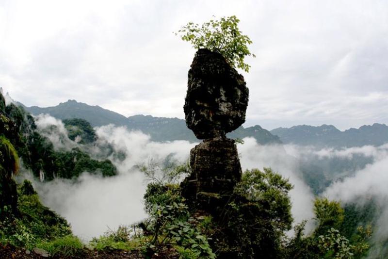 清江方山景区龙潭冲索道启动运营系长阳首条景区观光索道