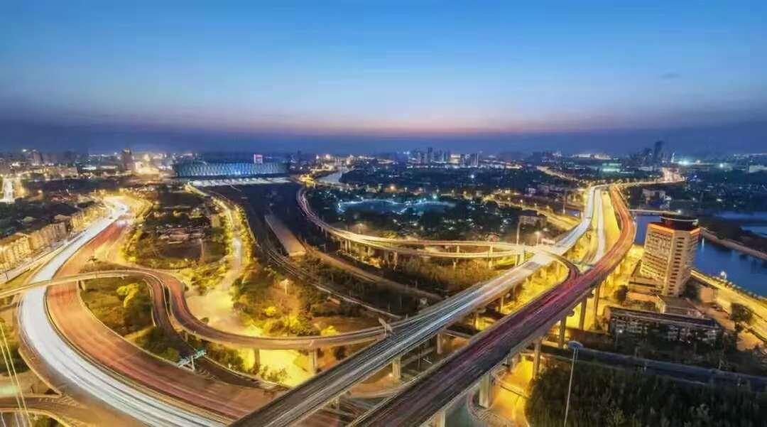 未来城市发展新核心 实景图 『扼守交通要脉,汇引万千人潮』 鹤壁高铁