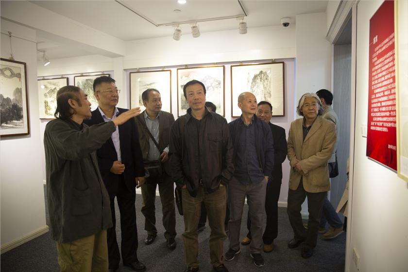江苏省文德中国山水画研究会在南京举办庆祝新中国成立70周年书画作品特展
