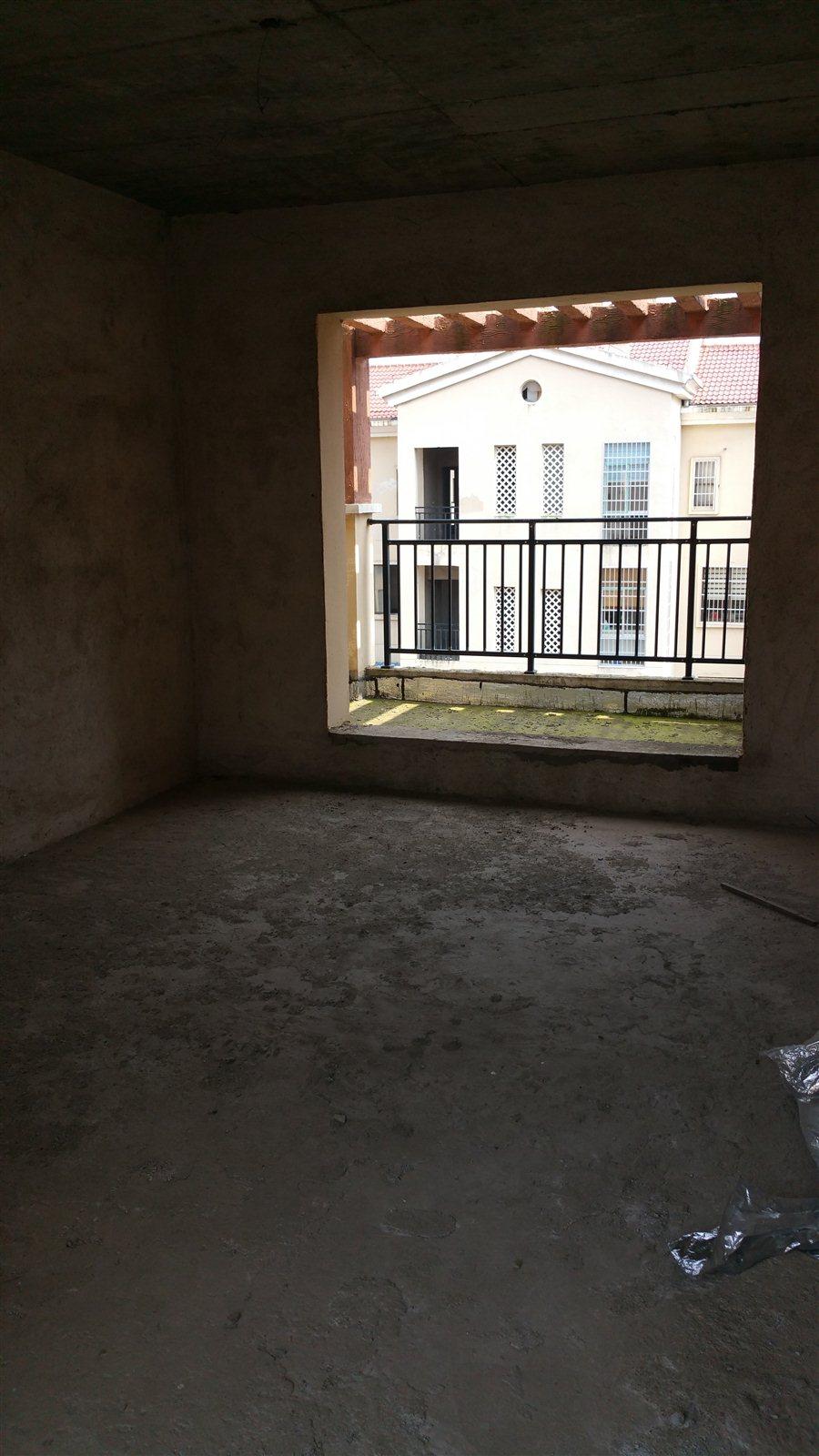 欧式六层楼房图片