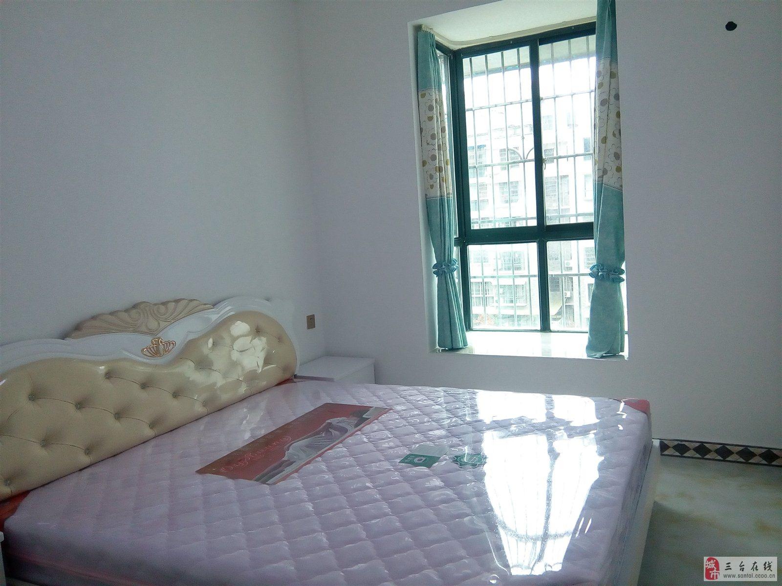 贵溪帝景精装修两室两厅80平米