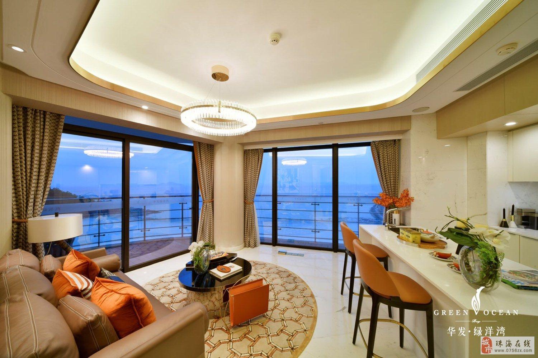 抖音网红景拍华发绿洋湾外地可购精装60平海景公寓