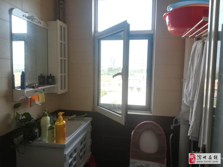 新湖玫瑰园2室2厅1卫85万元