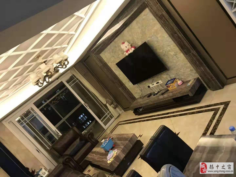 明珠花园126+地下3室2厅2卫140万元