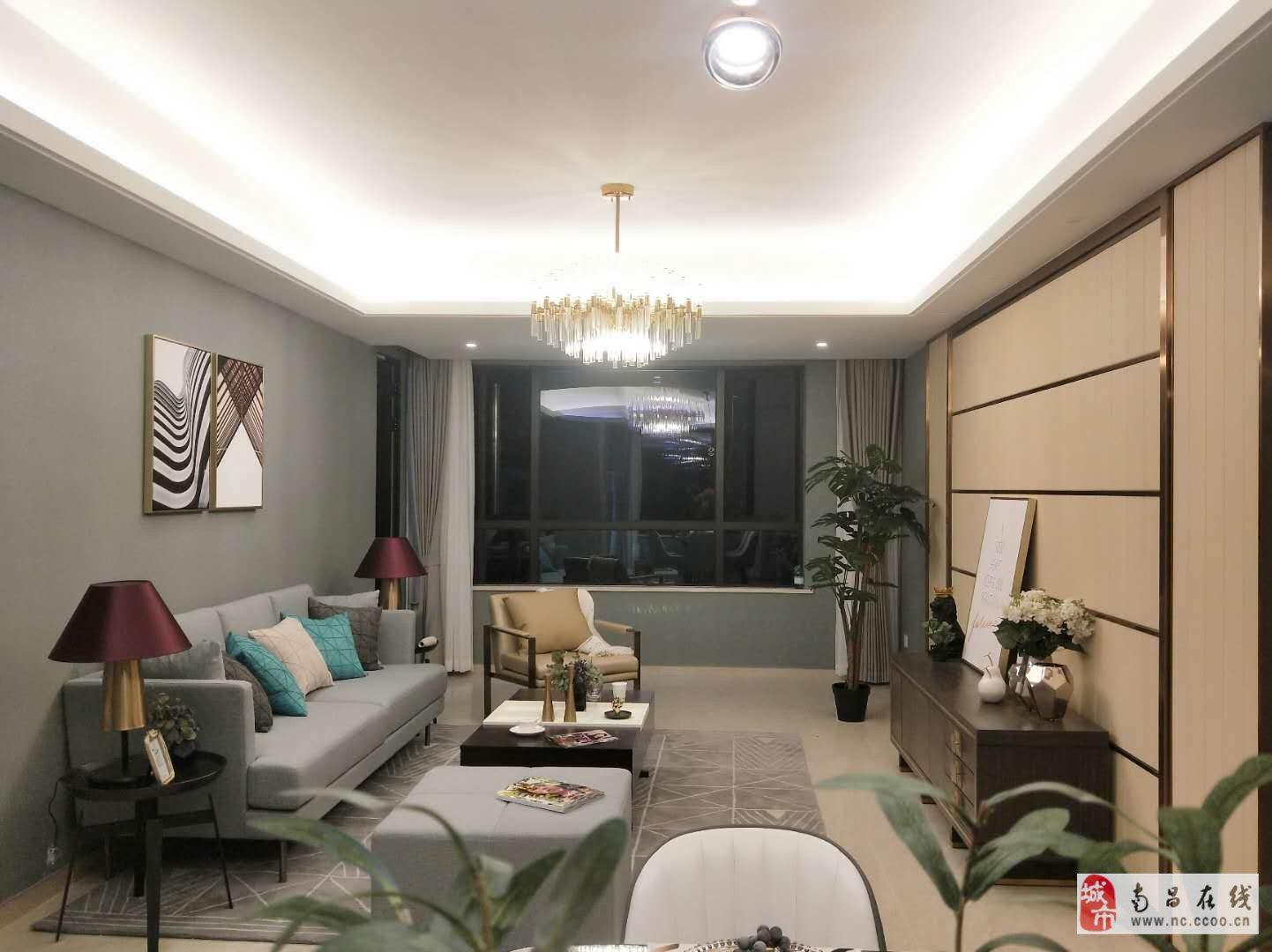 昌南體育中心附近+120平三室高層住宅+低密度小區