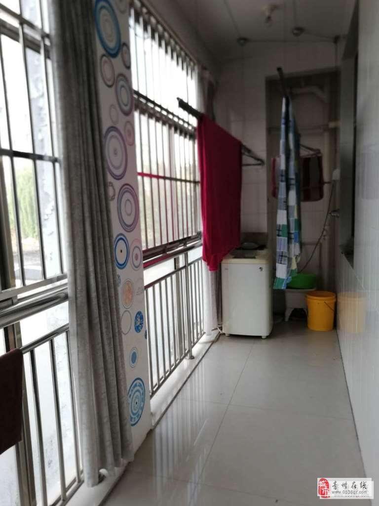 海岱益王府1樓101平,精裝3室,帶儲,85萬元