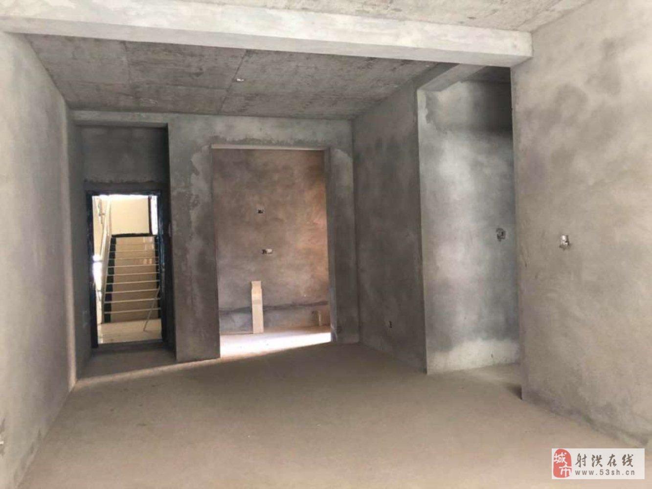 尚北新界多层金三楼,两室两厅出售
