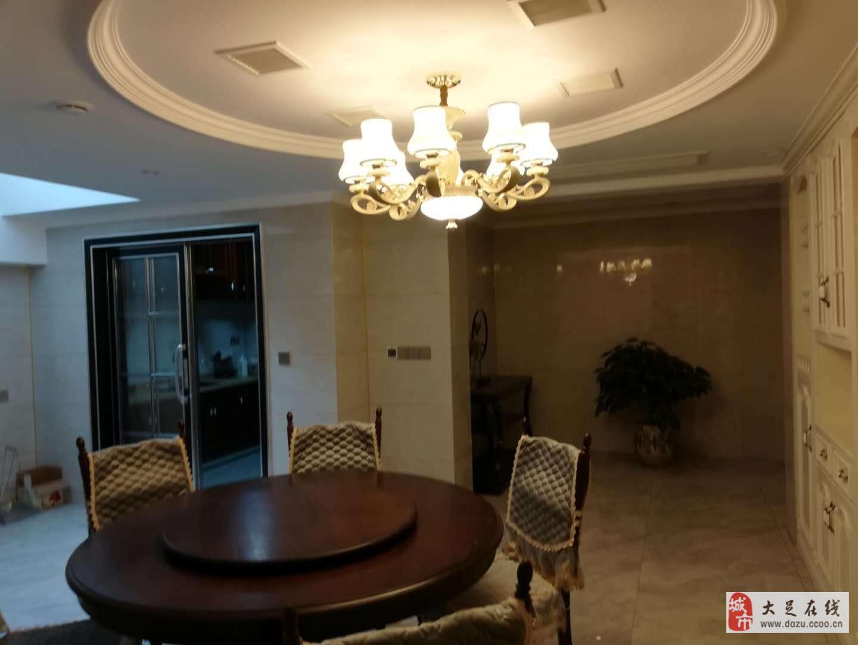 國興海棠國際4室2廳3衛220萬元豪華裝修
