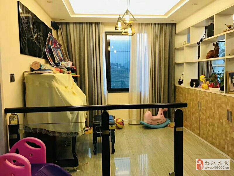 山臺山精裝電梯洋房樓中樓6室2廳2衛168萬元