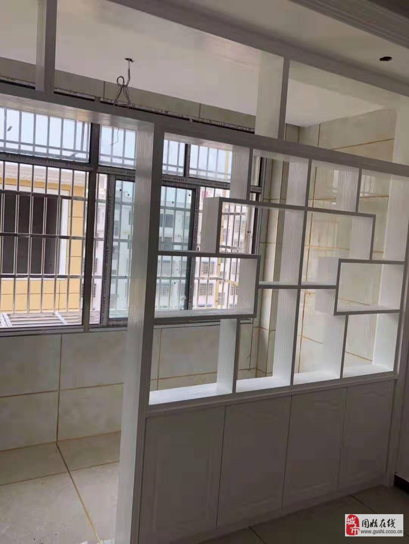 桂花苑前排電梯房7樓135平精裝修未住38.8萬元
