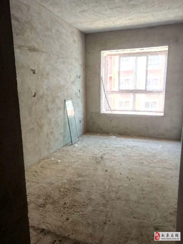 學府雅居,洋房中層,費用已交齊3室2廳2衛47萬元