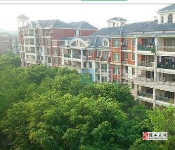 中層精裝共和天麓湖3室2廳2衛66.8萬元