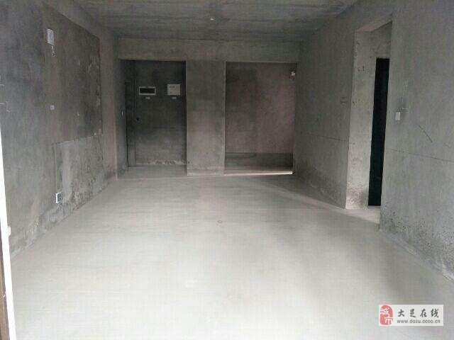 香溪樾4室3廳2衛66.8萬元