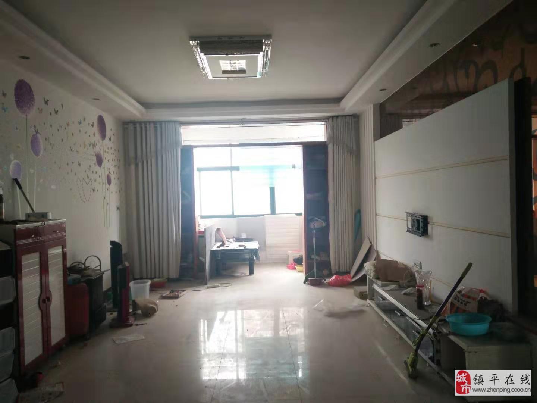 新城廣場2室2廳1衛38萬元