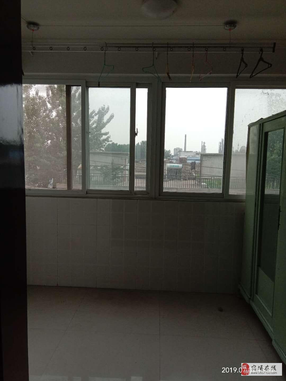 东城康居苑4楼精装修3室1厅1卫54万元
