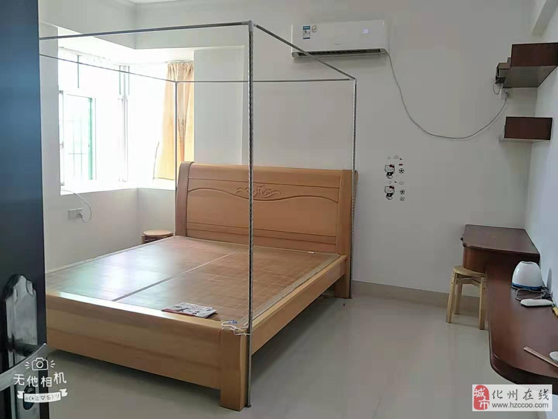 化州河东宜居花园4室2厅2卫158平米 诚心出售