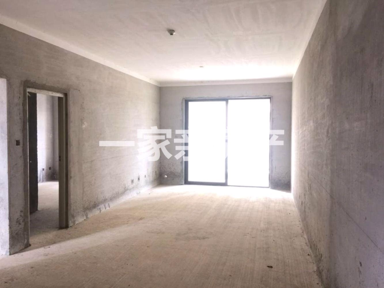 万达城市广场111.8平毛坯三房仅售83.8万元
