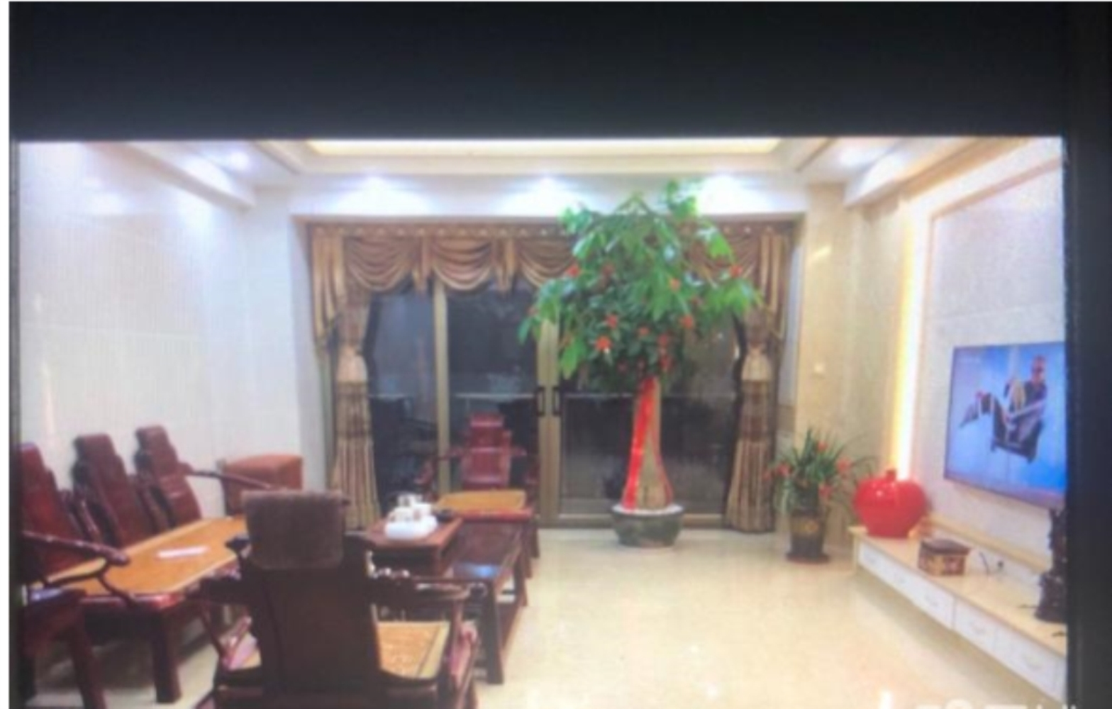 世纪豪庭楼王正边套精装4房158万元