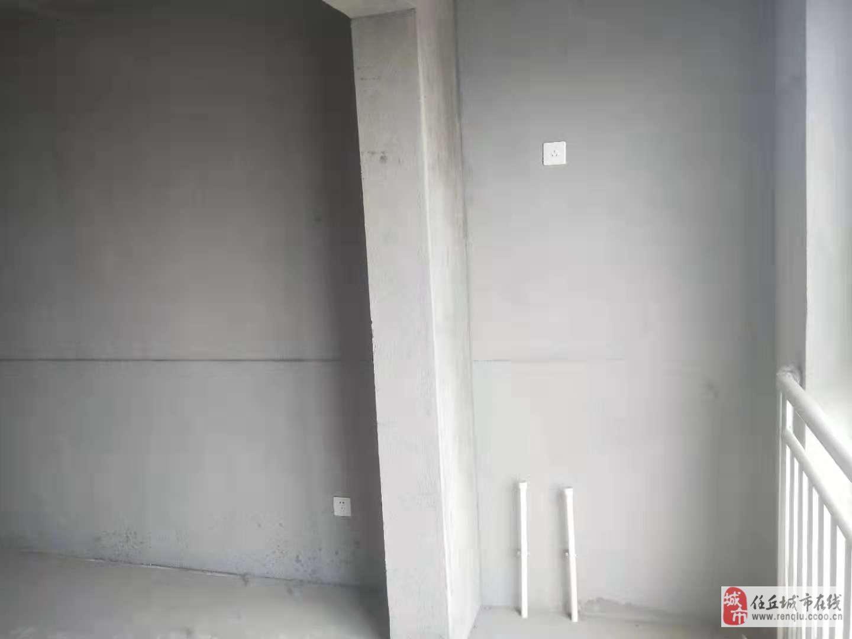 东风新区2室2厅1卫120万元